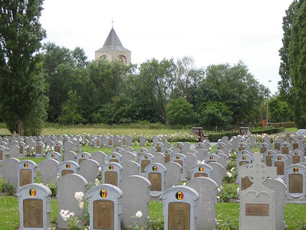 Belgische militaire begraafplaats van Steenkerke - Copy