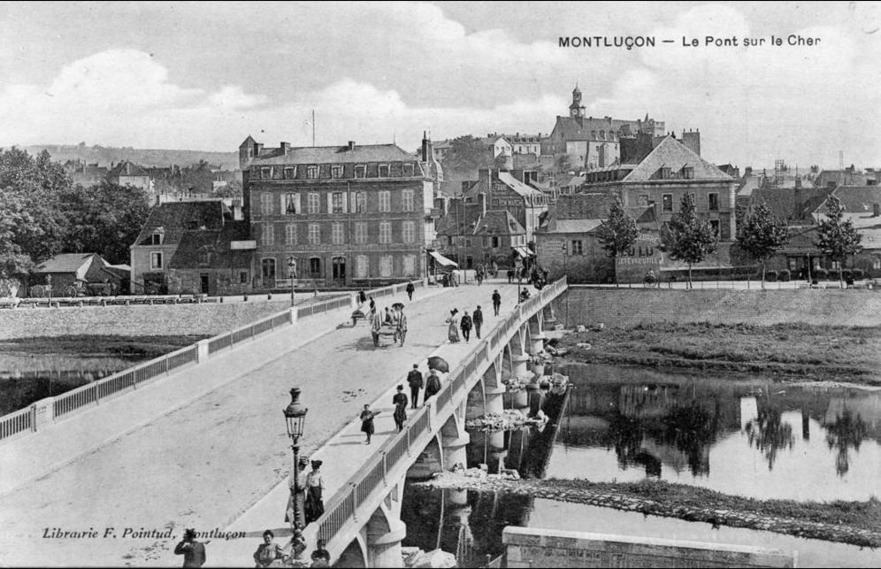Carte postale ancienne de Montluçon, dans l'Allier.