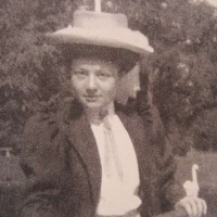 Pauline DE BROGLIE