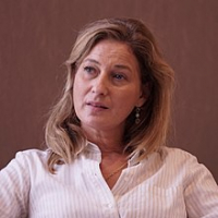 Olivia DE LAMBERTERIE