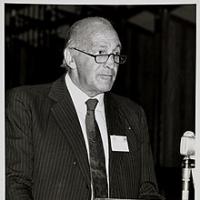 Raymond HOFFENBERG