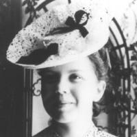 Jeannie DE CLARENS