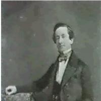 Julien VALLOU DE VILLENEUVE